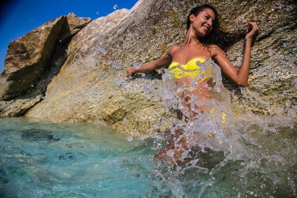 SeaSide Blue: il Battesimo! Parti da zero ed Impara a Fotografare una Modella in Acqua