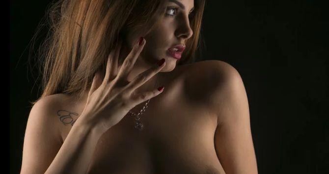 Studio Topless e Nude Art : Strobist e Gestione Modella con Francesca